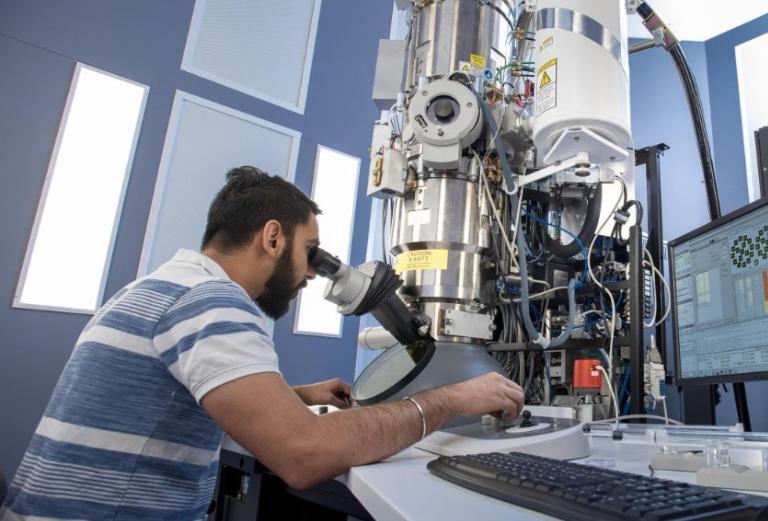 Eletron Microscope